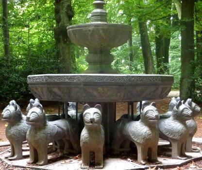 Artiste anonyme fontaine aux lions for La fontaine aux cuisines